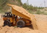 Důlní sklápěč s kovovými prvky